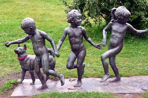 Professional Bronze Foundry Life Size Bronze Children Sculptures for Sale