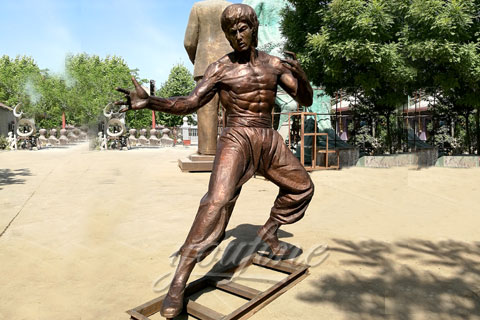 Selling classic square Bruce Lee bronze sculpture for sale