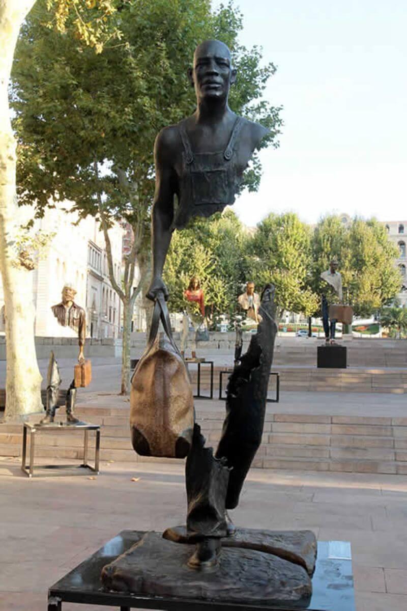 bronze-catalano statue