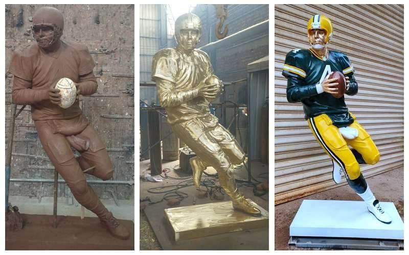 Life Size Custom Made Bronze Football Man Sculpture for Sale
